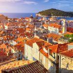 Punaisia kattoja Dubrovnikin vanhassa kaupungissa