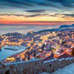 Iltakuva Dubrovnikin yltä