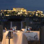 Illallinen kattoterassilla, Titania Hotel, Ateena, Kreikka